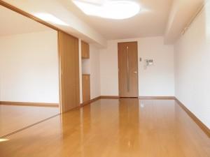 ルーブル世田谷弐番館の2Kの室内写真です。