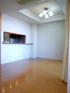 コルティーレ山手町フロントエステートの1DKの室内写真です。