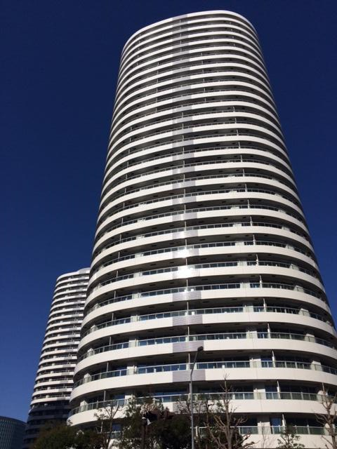 MMタワーズフォレシス R棟の外観写真です。