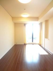 大崎ウエストシティタワーズの2LDKの室内写真です。