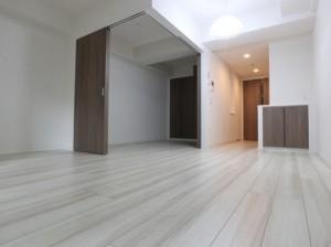プレシエ横浜石川町の1LDKの室内写真です。
